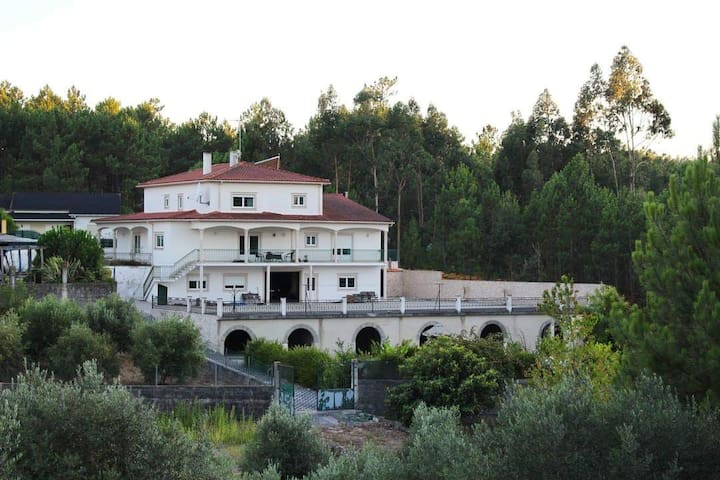 PEACEFUL VILLA CLOSE TO FATIMA WITH SWIMMING POOL