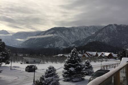 Spacious Studio with Expansive Views/Close to Town - Leavenworth - Apartamento