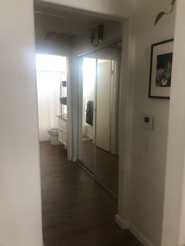 1 bedroom 1 bath in melrose place West Hollywood