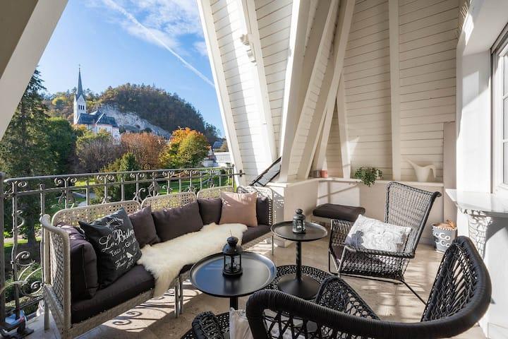 "Luxury Apartment Vila Pavlovski ""Lake&Castle View"""