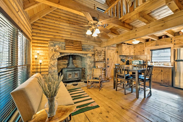 The log cabin features 1,035 square feet of living space for 5 to 7 guests.