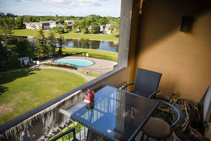 Pembina 2br Haven!Discount Essential Workers*Wifi