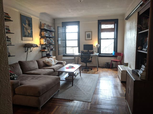 HUGE ONE-BED, PROSPECT PARK, CAT LOVERS ONLY!!