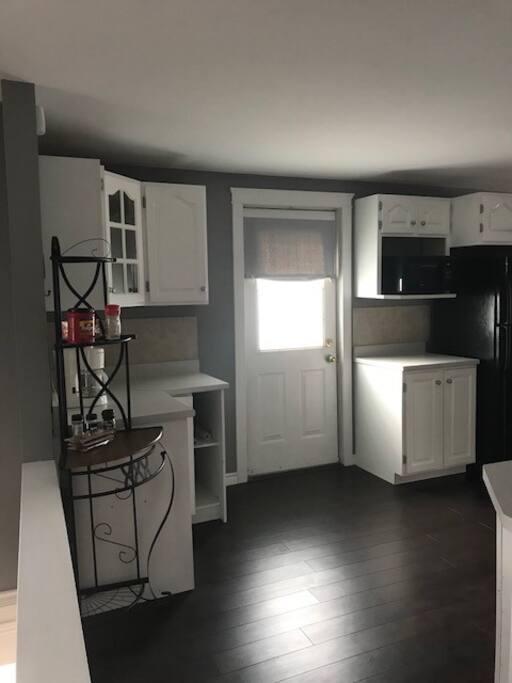 Full sized kitchen