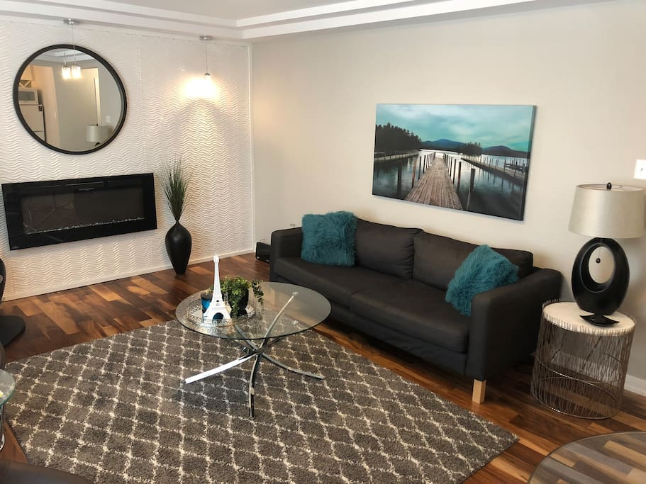 Heart Of Downtown Luxurious 1br With Parking Apartments