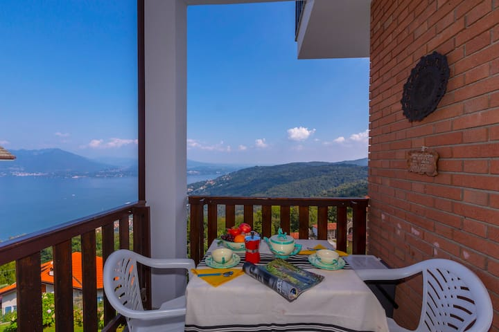 Nicoletta's Lake View On Stresa Hills