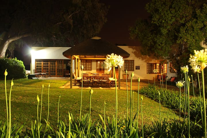 Rosenview Guest House-A Gem In The Winelands