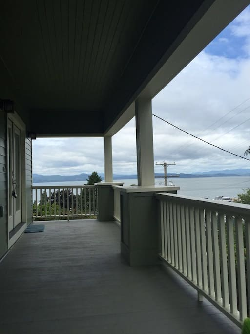 Views of the Columbia River from the open-air porch