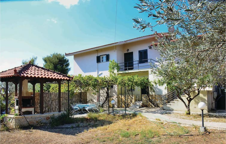Holiday apartment with 3 bedrooms on 120m² in Nafplion