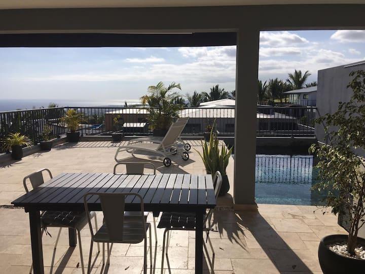 Jolie villa vue mer avec piscine à Saint-Pierre