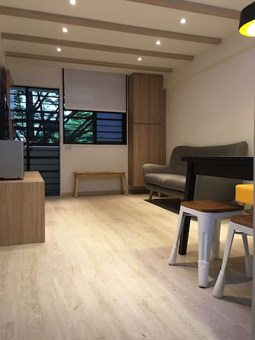 Private Room near Holland Village / Orchard Road