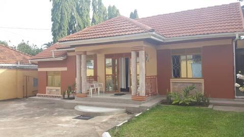 2bedrooms&2bathrooms close to SpekeResort Munyonyo