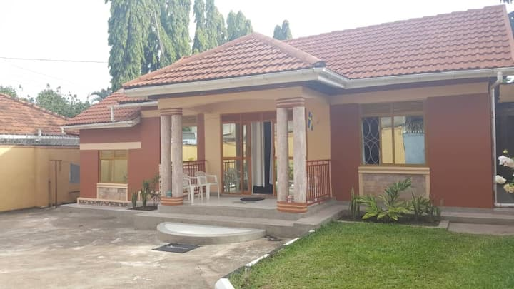 2bedrooms&2bathrooms close to SpekeResort Munyonyo