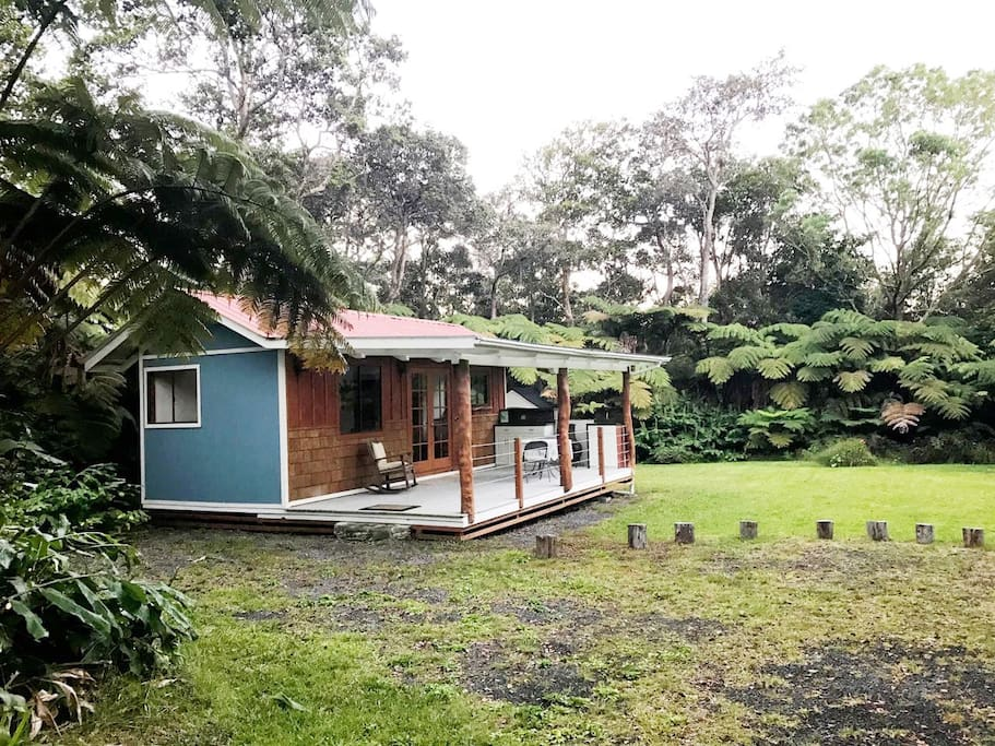 Hidden tiny house on a private 3/4 acre lot