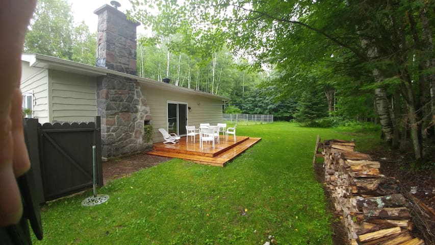 Beautiful 2-Br house - 10 mins from Tremblant - Mont-Tremblant - House