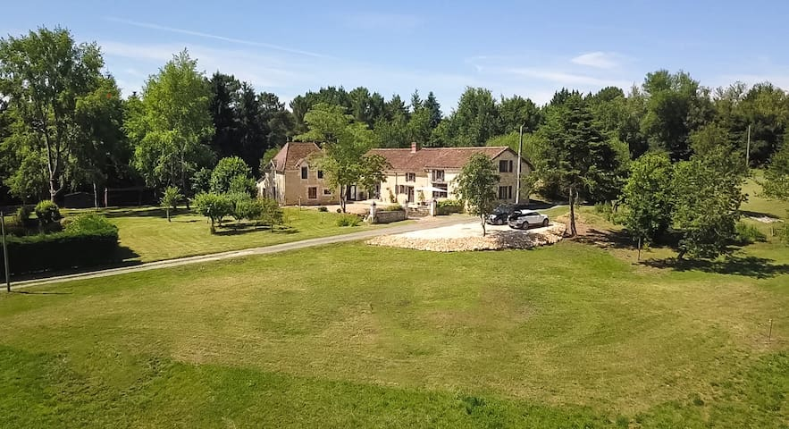 Stunning converted barn in a tranquil setting