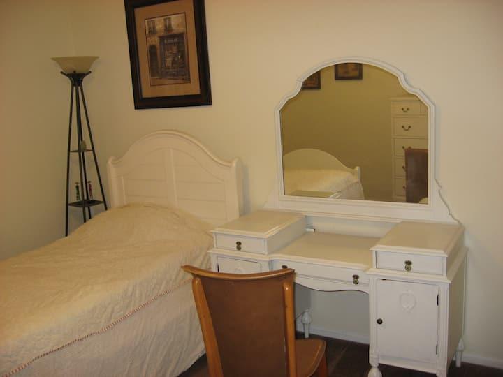 Cozy Private Room in Orange - Disneyland