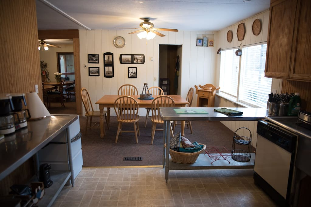 Alpines large kitchen 1 of 5 homes