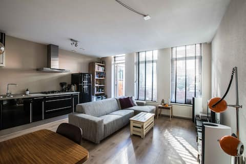 Apartment w/ Garden in Trendy Area (5 min/ center)