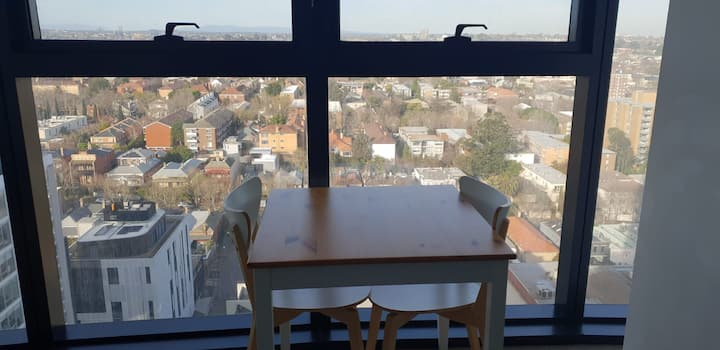 One Bedroom Apartment close to Chapel Street