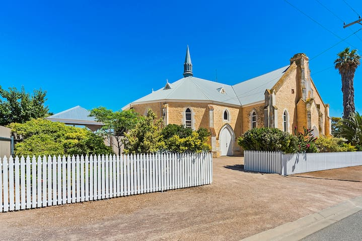 Wallaroo Church Holiday House