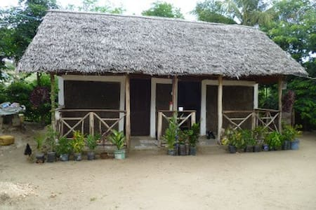 Eazy's Place - Enjoy the real African way of life! - Dar es Salaam - Bed & Breakfast