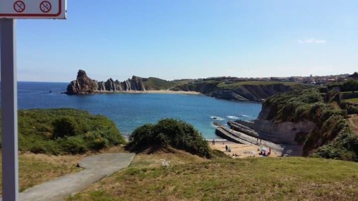 Al lado de las playas y Santander