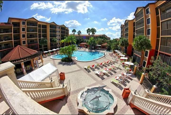 Luxury Resort Living near ALL Orlando Theme Parks!