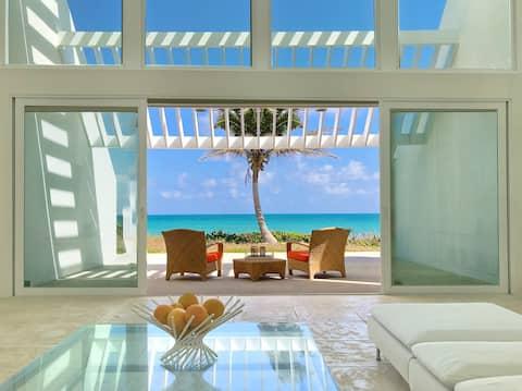 Seascape Villa- ocean front living!
