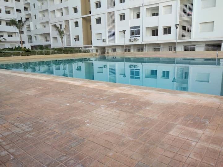 magnifique appartement avec piscine