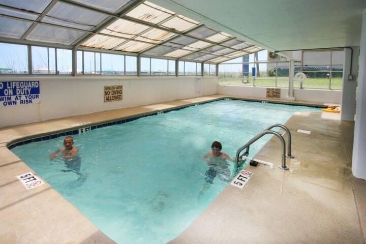 Tub,Pool,Water,Jacuzzi,Hot Tub