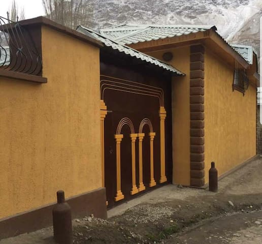 Large cozy house in Khorog GBAO breakfast included
