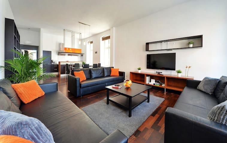 LUXURY LOFT 100 m² //Rynek VIew // up to 10 PEOPLE