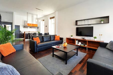 LUXURY LOFT 100 m² //Town Square - 50 meters