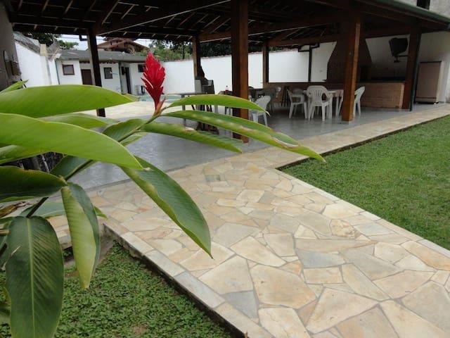Apartamento com cara de Casa de Campo em Ubatuba