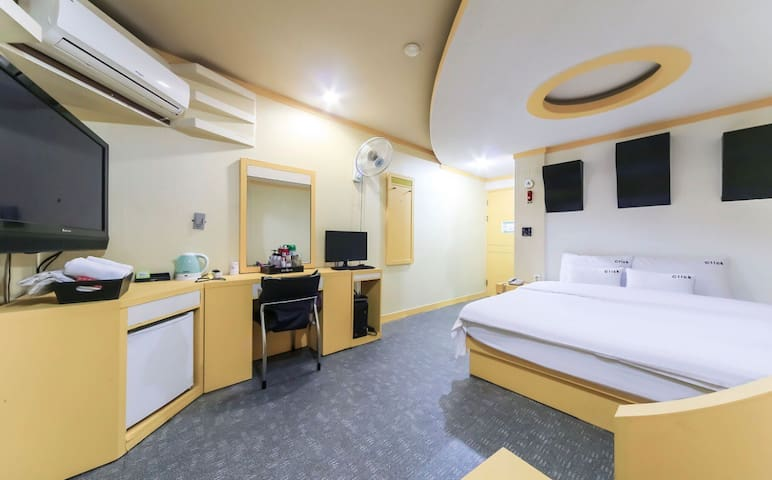 Busan Click Motel  #3 (Double Room)釜山 西面エリア