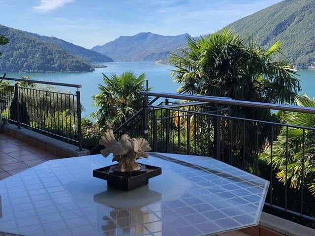 Casetta charmante con splendida vista Lago