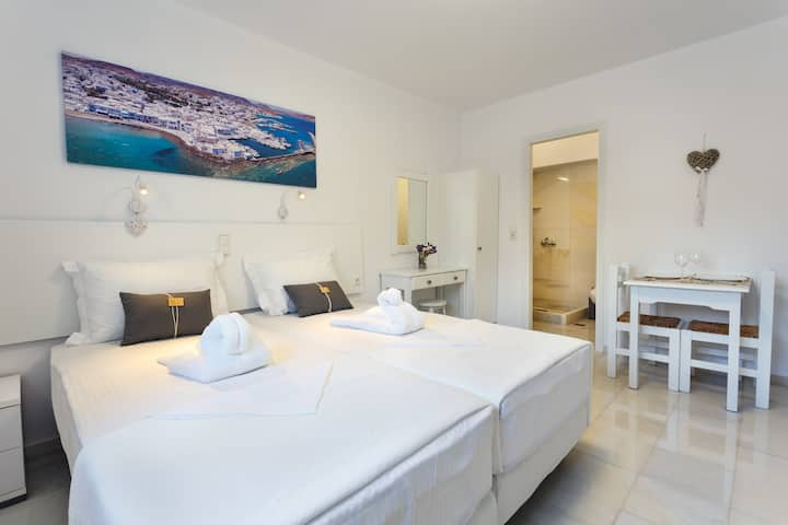 Heart of Paros Apartments - White Studio