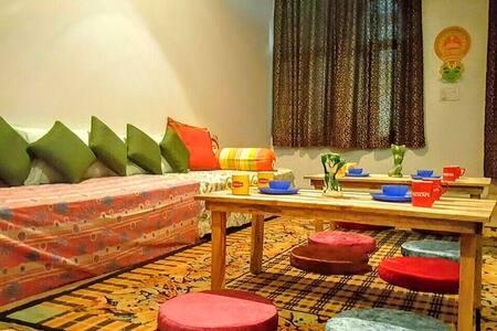 CrashPad 4 Bunker Bed Room with Breakfast near Taj - Agra - Dorm