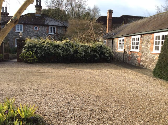 Charming self contained annexe, idyllic location
