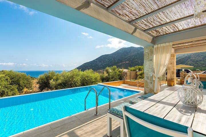 Villa Sugar, 5 Star Resort facilities!