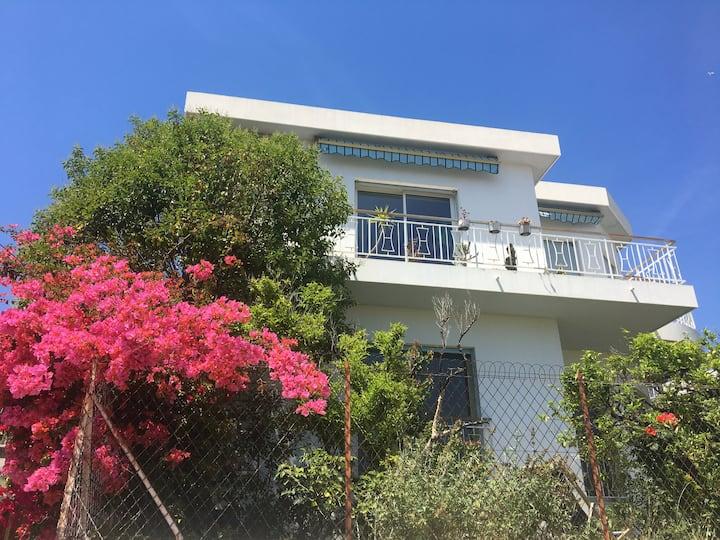 Rare! Maison avec vue et jardin proche mer (4 p)