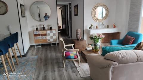 Comparto apartamento, hermosa vista, habitacion