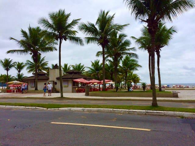 Apto do lado da Praia!!