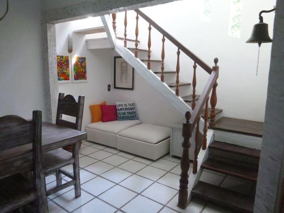 Stairs to family room (not accessible) -  Escada para o salão (não acessível)