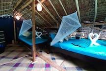 Entire GlassHouseboat. Only accomm in CoronIsland