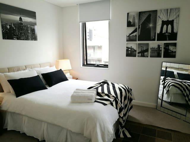 CBD Amazing 2 Bedroom Apartment - Chippendale