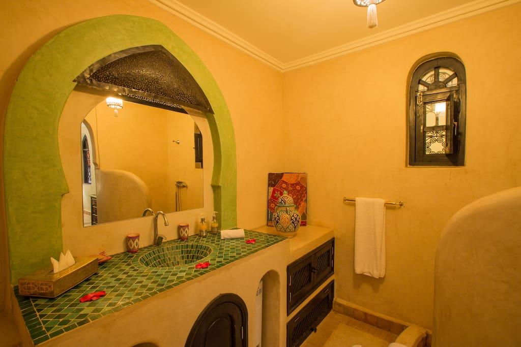 salle de bain et toilette privée chambre Majorelle
