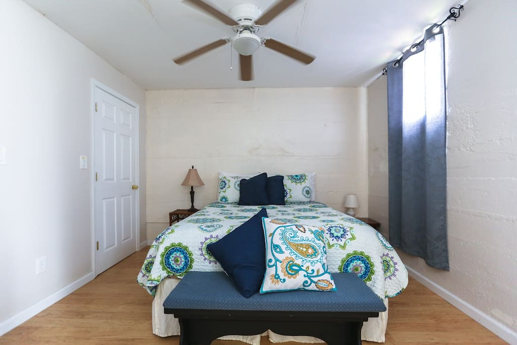 Walk to downtown spacious montford apartment - 2 bedroom suites in asheville nc ...