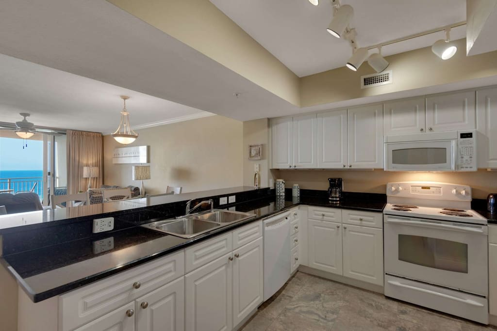 Large fully equipped kitchen!